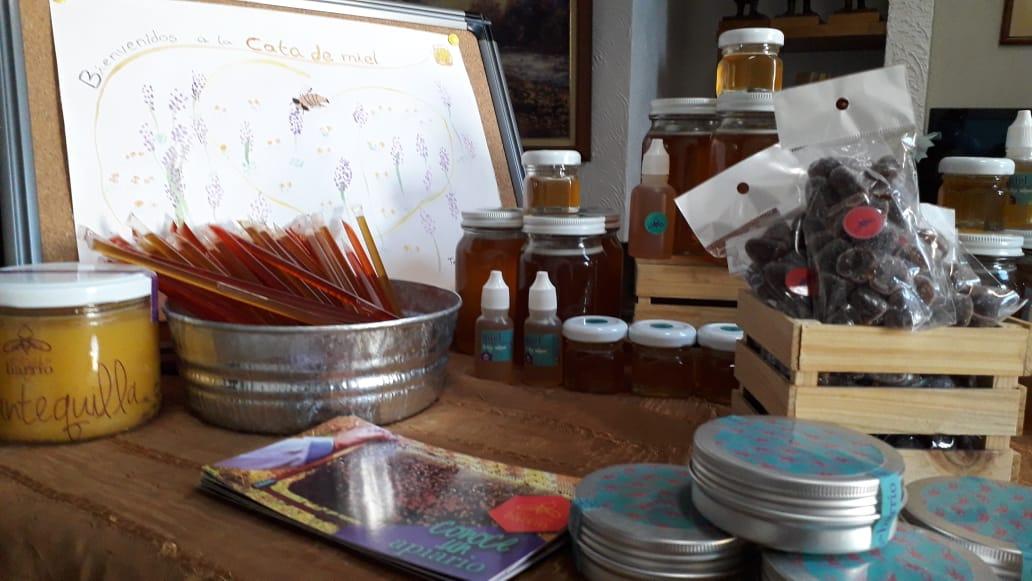 Miel: deliciosa, curativa y necesaria.