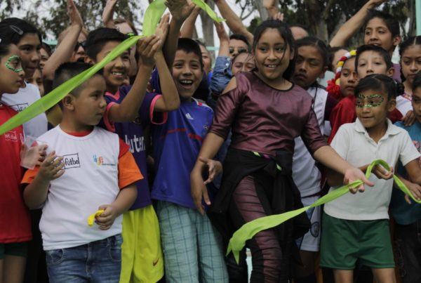 Más goles en Valle de Chalco, construyen cancha de futbol