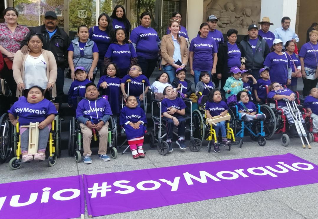Derechohabientes con Síndrome de Morquio piden urgente atención a sus demandas.