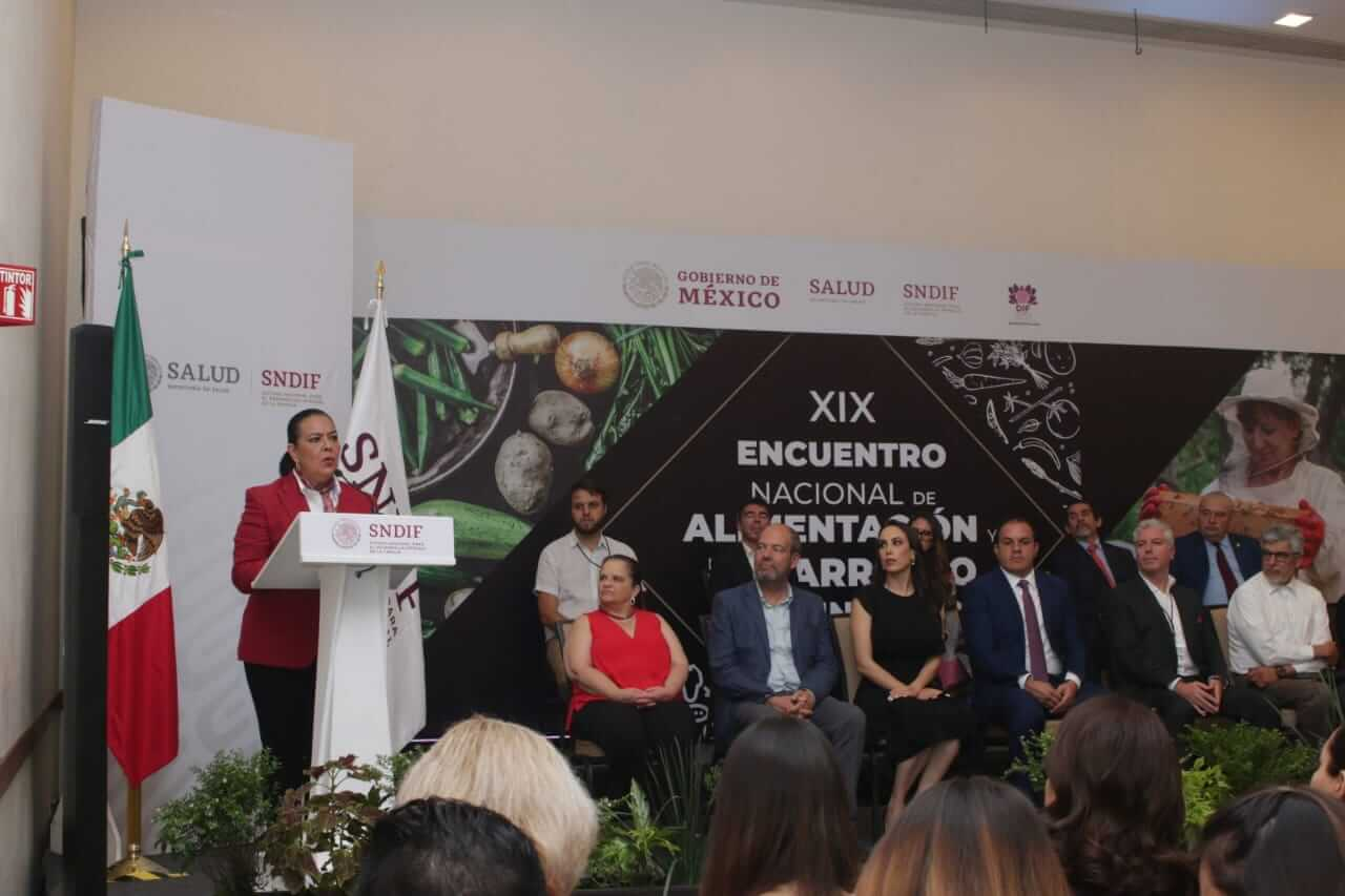 DIF y RENAPO firman convenio para reforzar la transparencia en los padrones de beneficiarios de los programas alimentarios
