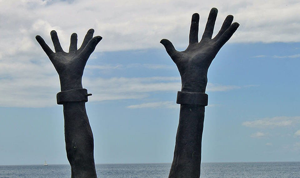 Día Internacional para la Abolición de la Esclavitud: no más cadenas