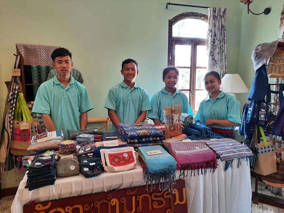 Abogado mexicano apoya a comunidad sorda de Luang Prabang en Laos